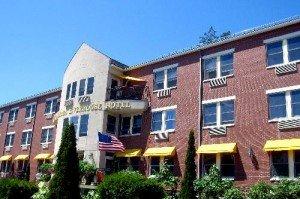 Camden Riverhouse Hotel & Inns