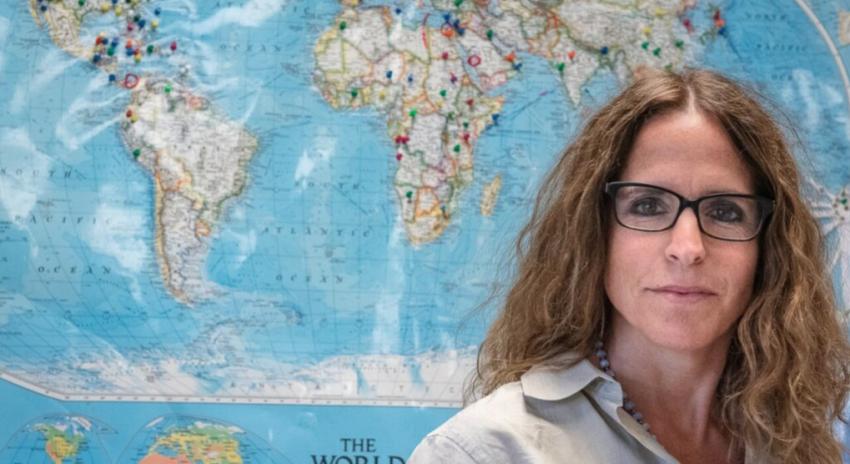 Face Time: Erin Towns, teacher will travel-feature in Sun Journal